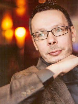 Ajanhallinnan kouluttaja, valmentaja Jari Vuorenmaa, toteuttaa ajankäytön hallinnan valmennuksia ja ajanhallinnan luentoja.